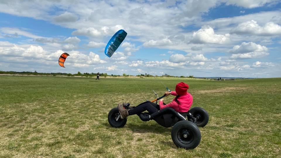 kite škola, kite kurzy, kiteboarding, landkiting, buggykiting